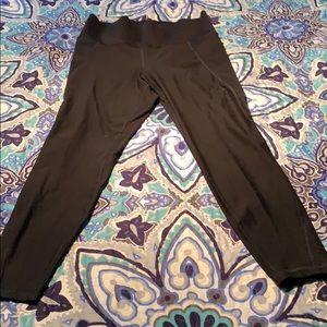 Old navy elevate 7/8 leggings